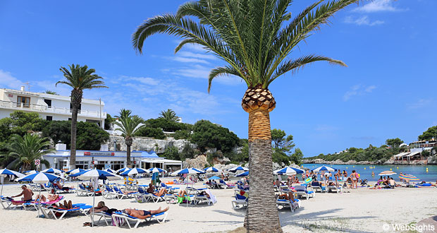 Cala Santandria beach